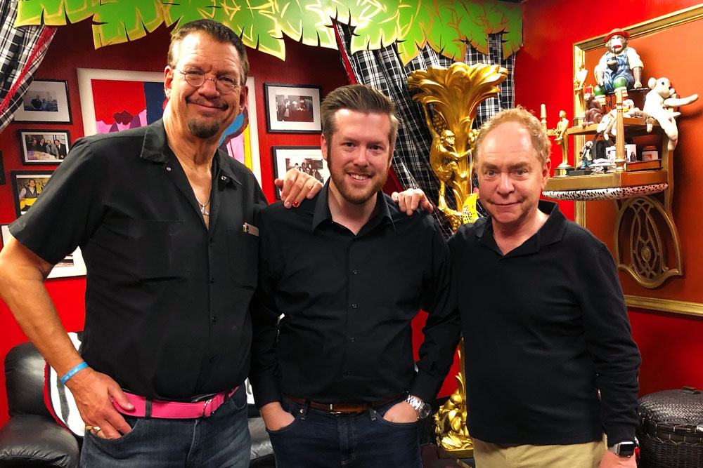 Charlotte NC's Bryan Saint with magicians Penn & Teller of Penn & Teller: Fool Us in the Monkey Room